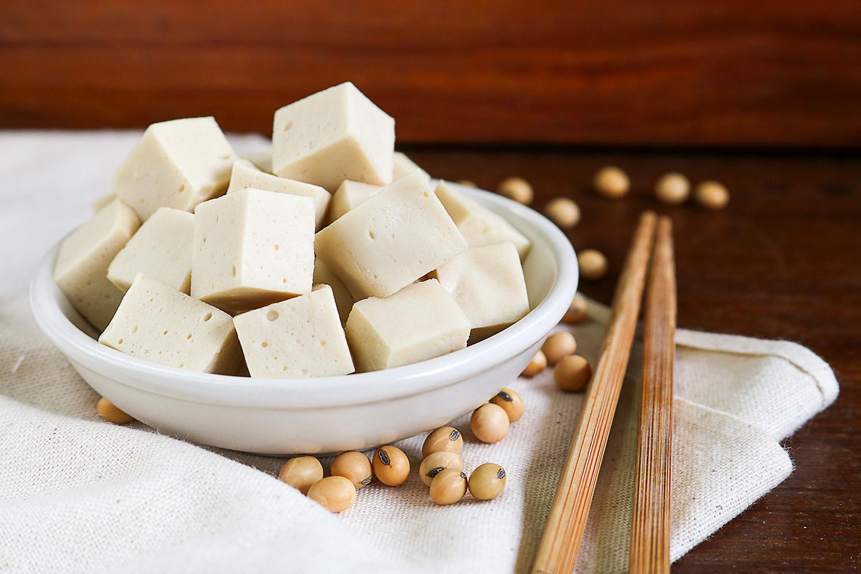 Tofu-natural-kostky