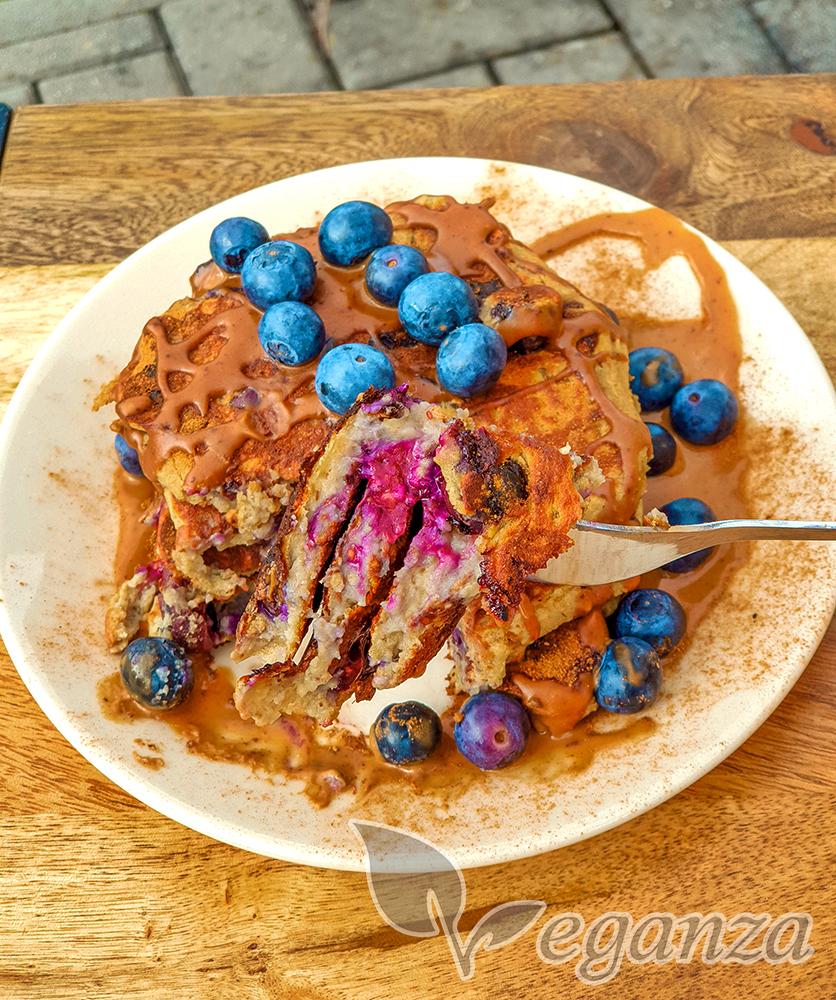 boruvkove-proteinove-livance-s-mandlovym-maslem