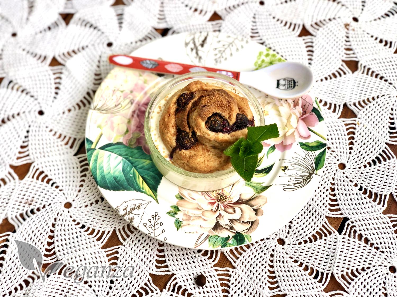 cinnamon-roll-se-sladkou-polevou