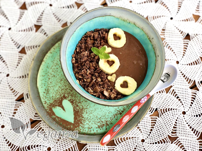 cokoladova-bowl-s-proteinovou-granolou