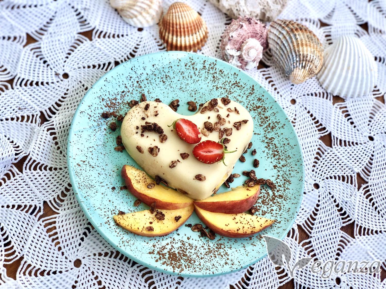 pudinkovy-amaron-s-ovocem-a-granolou